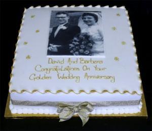 Torta per 50 anni di matrimonio per cosa optare che nozze for Decorazioni torte per 60 anni di matrimonio