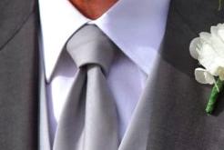 cravatta chiara sposo