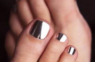 smalto piedi sposa metallico